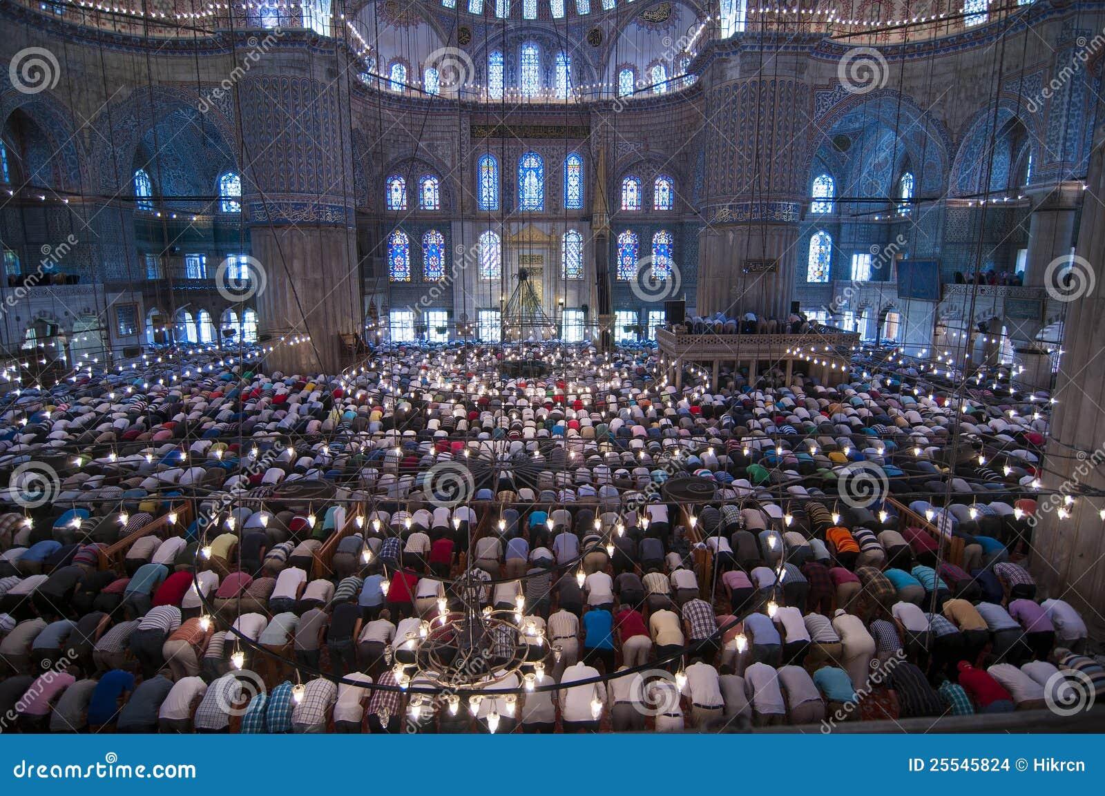 Oração muçulmana de sexta-feira, mesquita azul Turquia