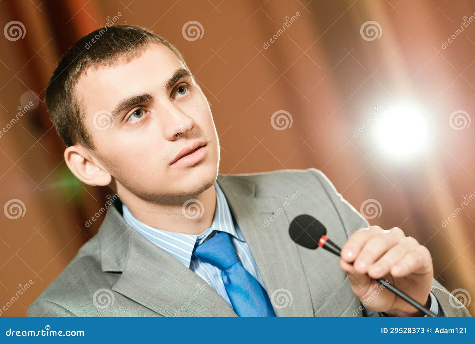 Orador masculino