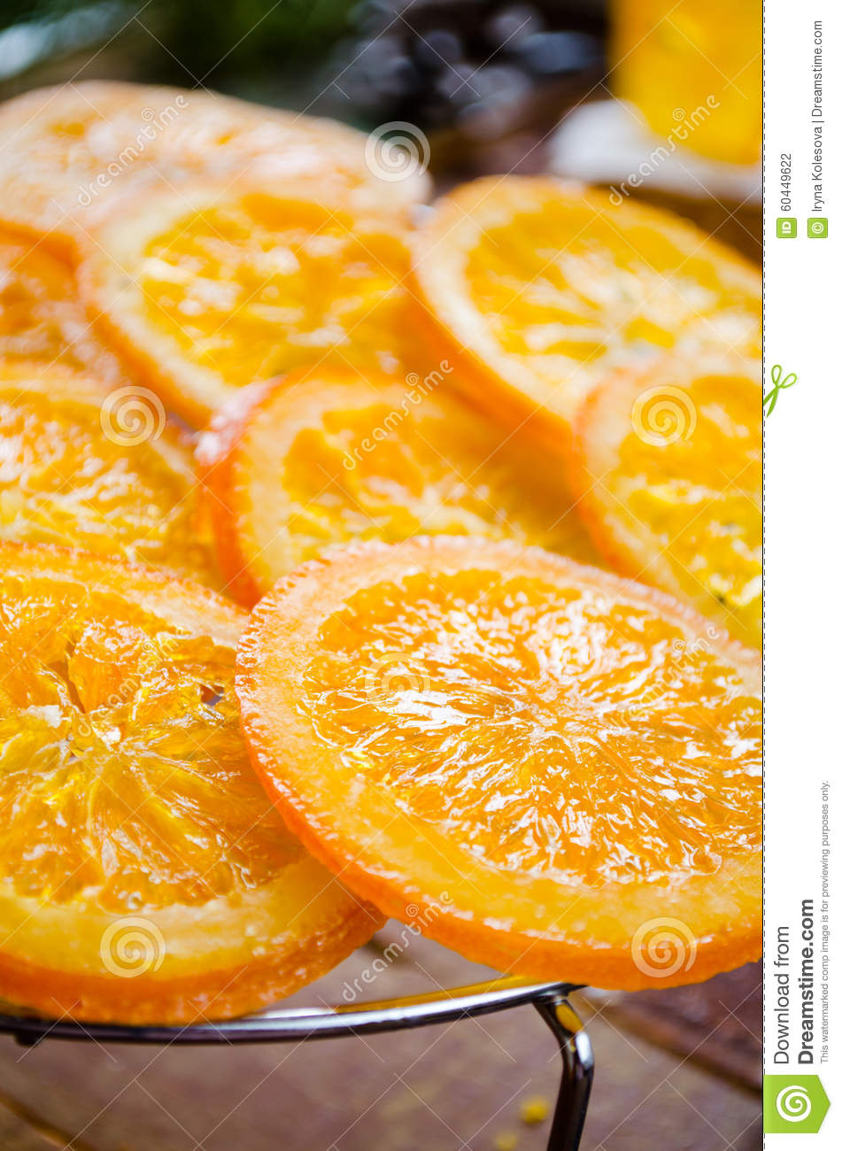 Orange cake with caramelized oranges christmas decoration for Baking oranges for christmas decoration