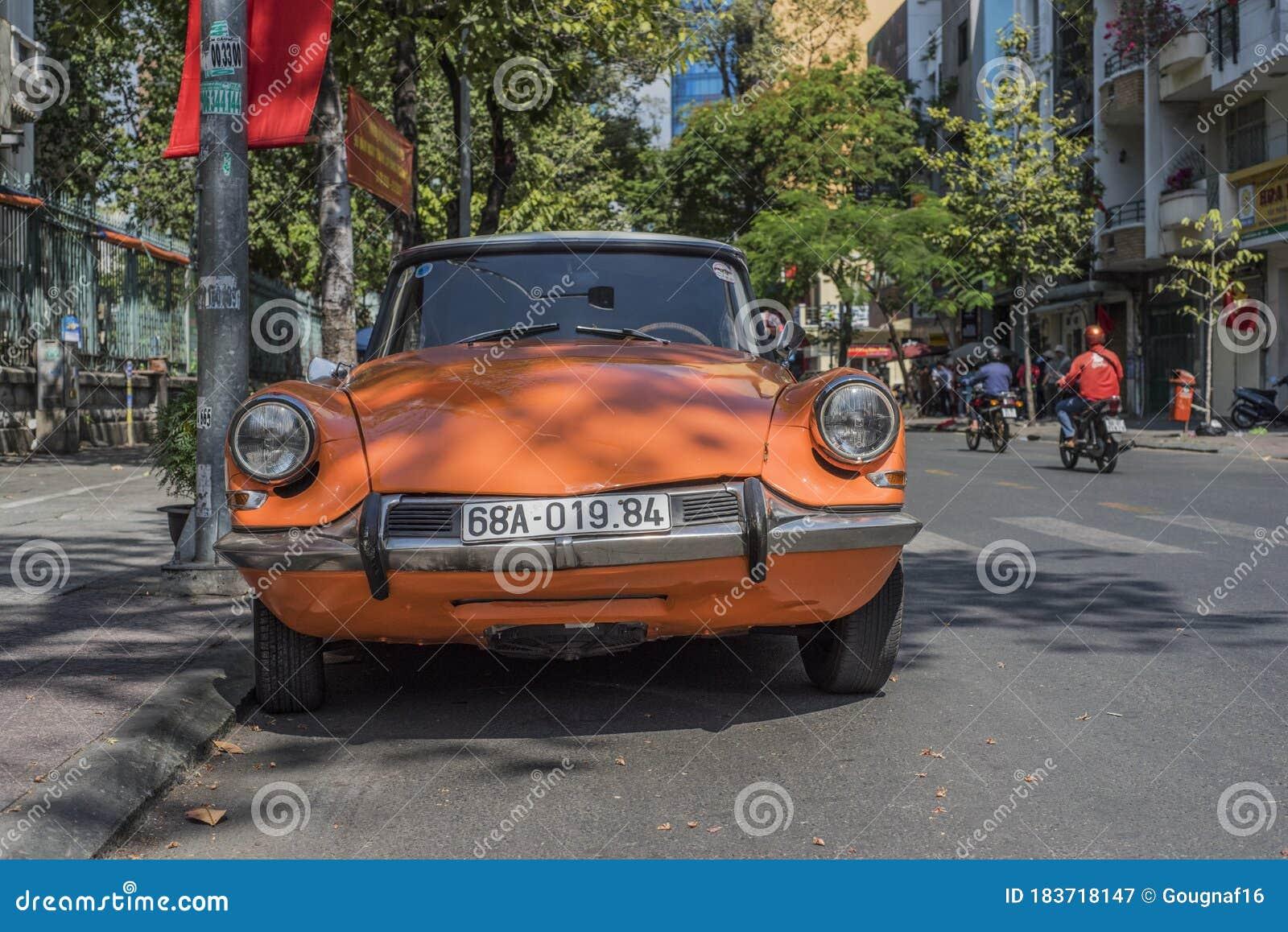 Citroen DS in Vietnam