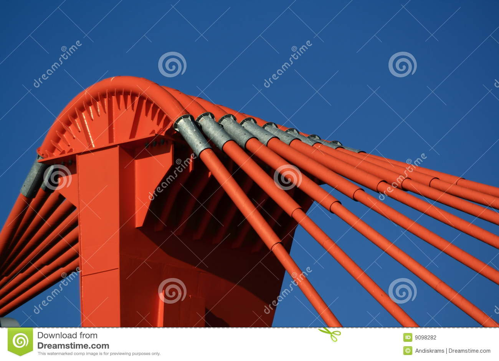 Orange Gondelstiel der Brücke