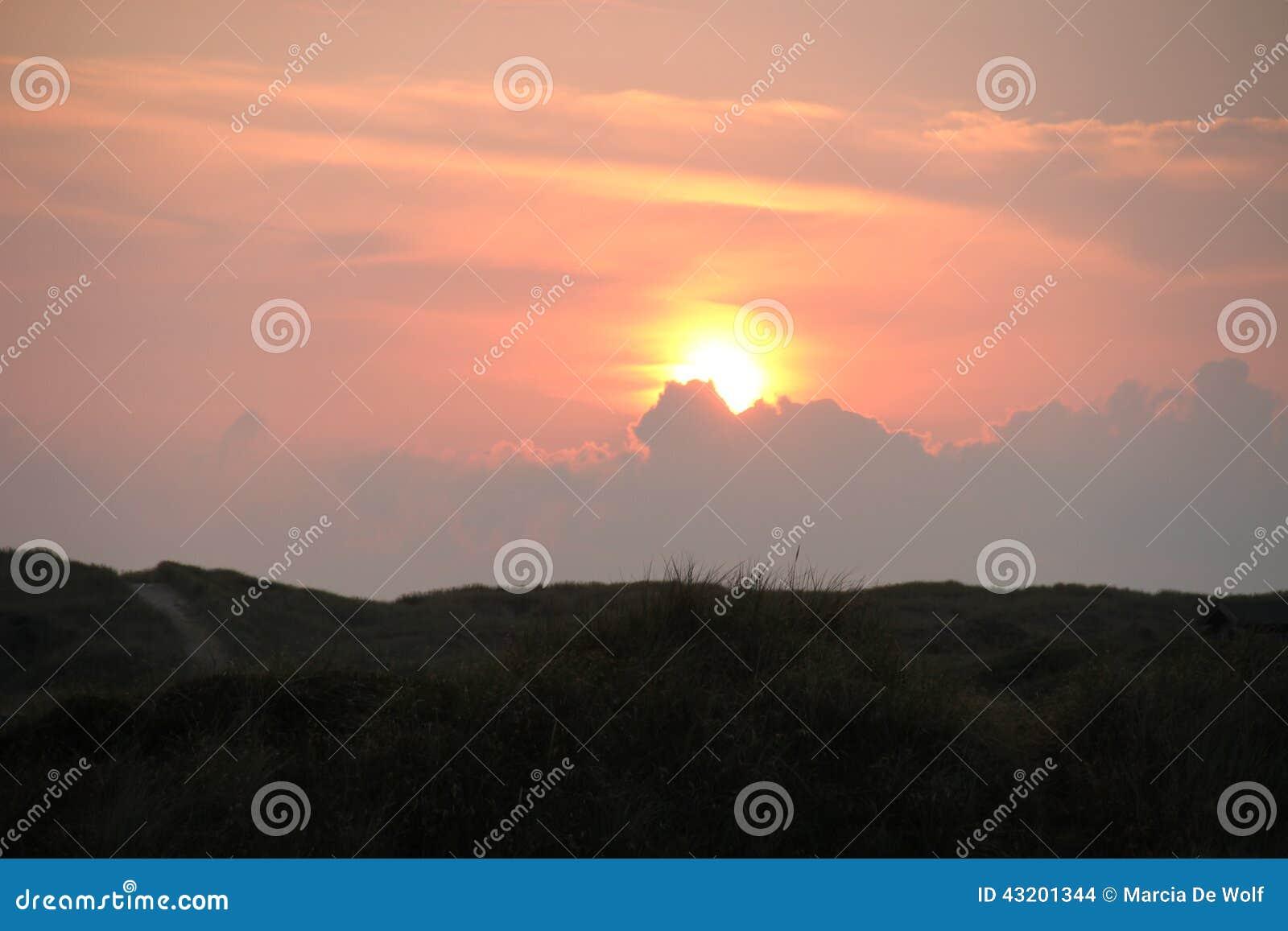Download Orange solnedgång arkivfoto. Bild av härlig, västra, norr - 43201344