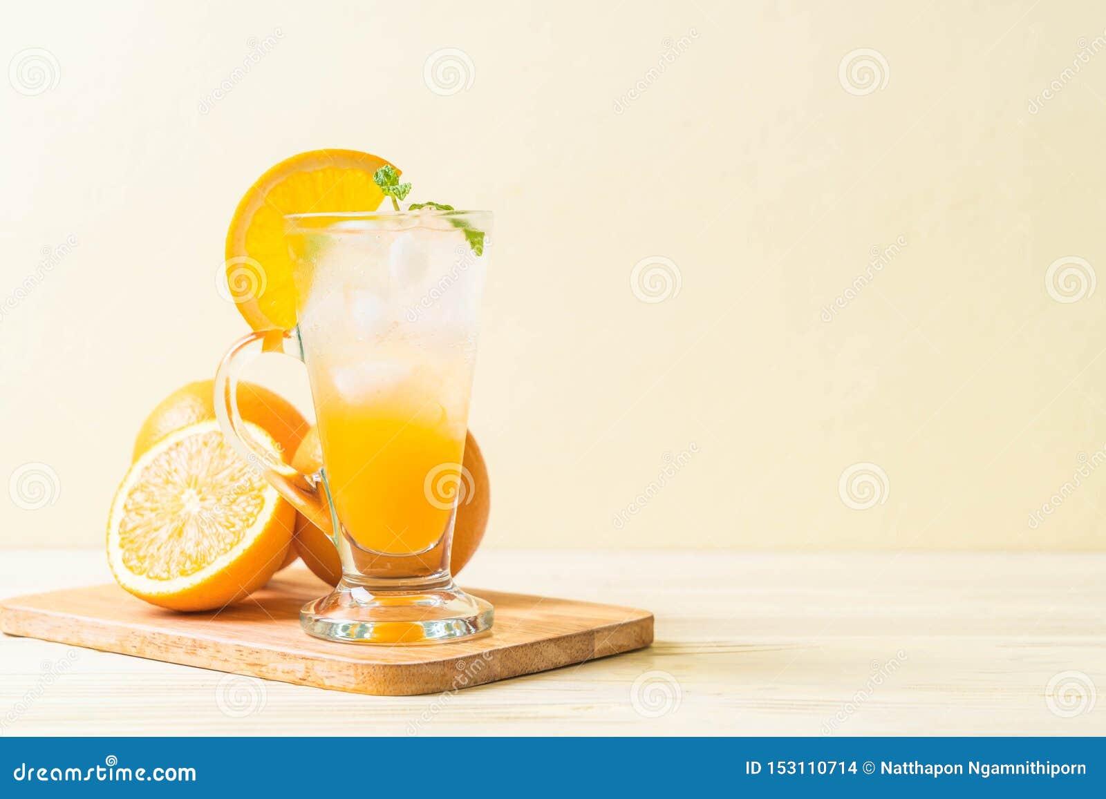 Orangensaft mit Soda