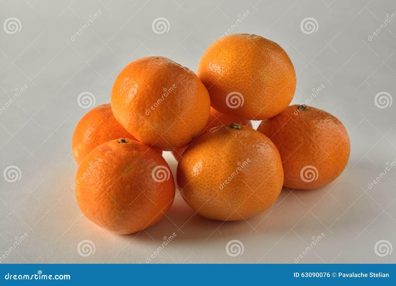 Download Oranges photo stock. Image du brillamment, boisson, durée - 63090076