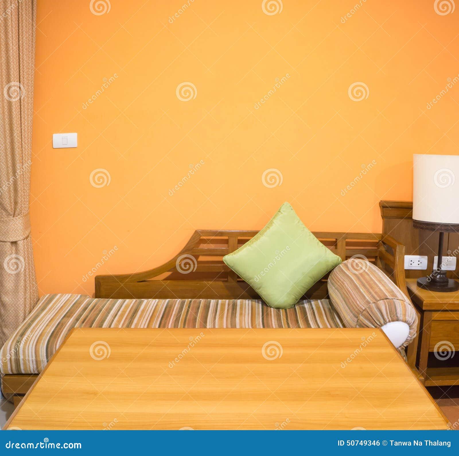 Oranje kleur van slaapkamer binnenlands ontwerp stock foto afbeelding 50749346 - Foto van volwassen slaapkamer ...