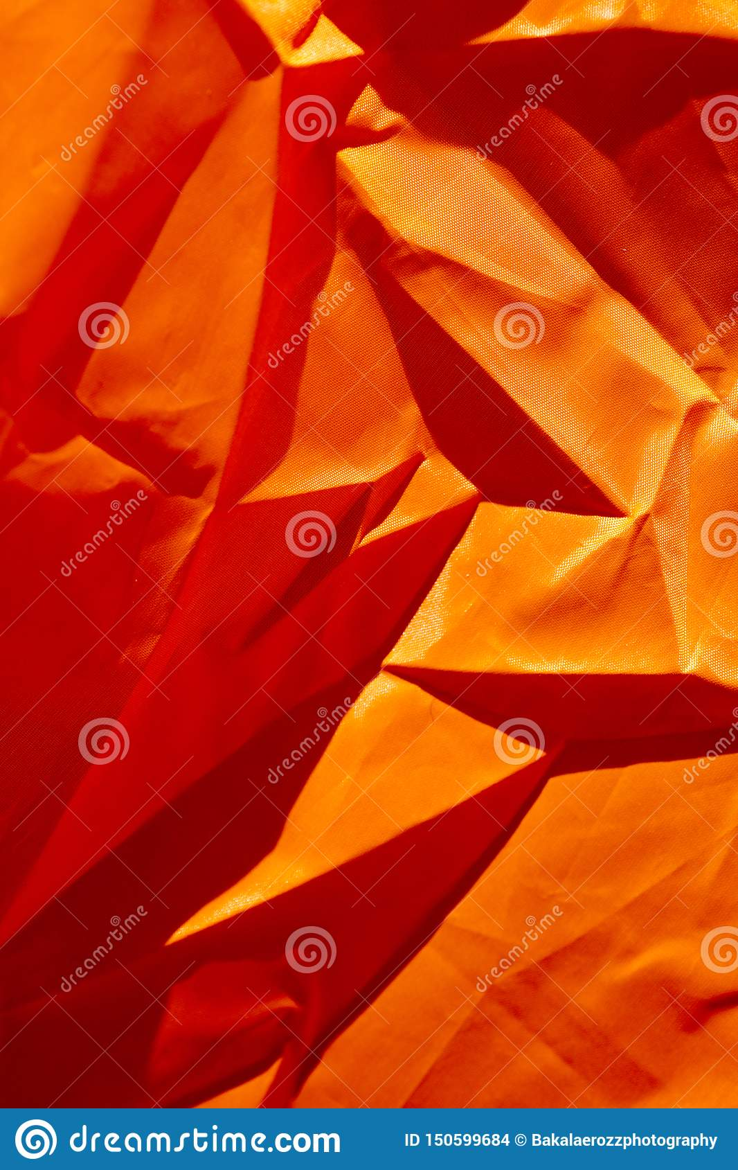 Oranje polyester macro abstracte fijne kunst als achtergrond in hoogte - de producten van kwaliteitsdrukken