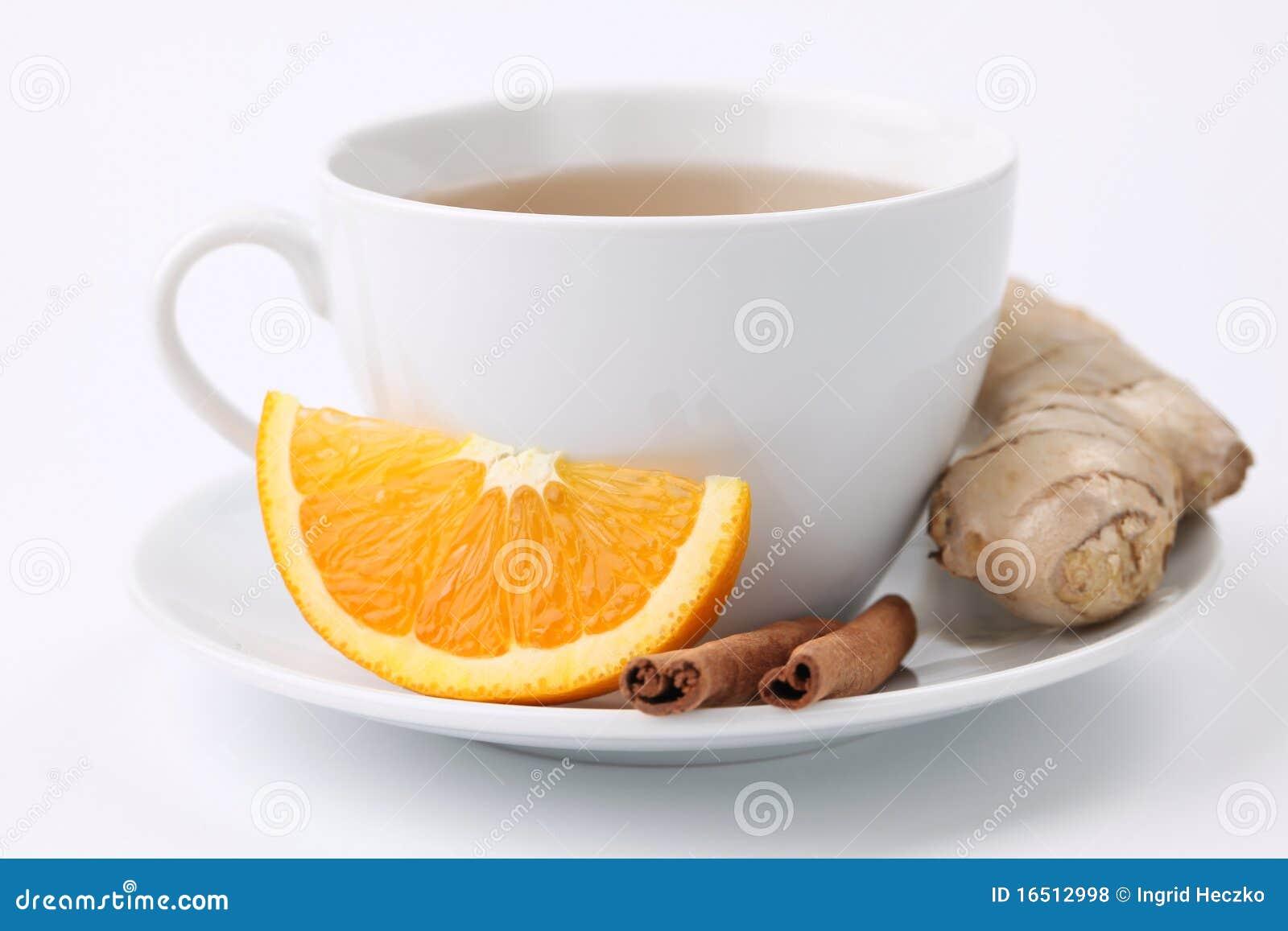 Oranje thee met kaneel en gember