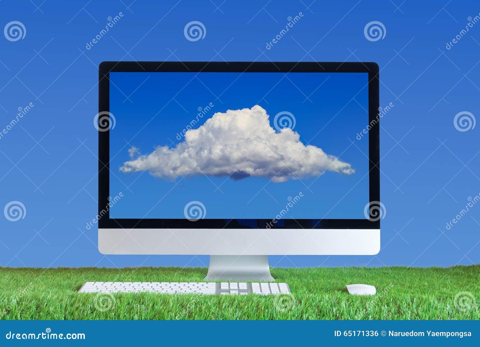 Ordenador con la nube en la pantalla