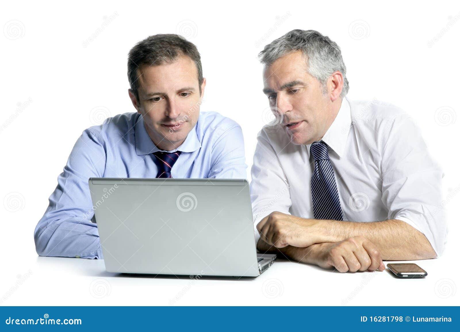 Ordenador de trabajo de las personas del hombre de negocios de la maestría