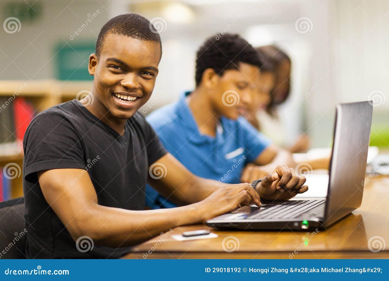 Ordinateur portable africain d université