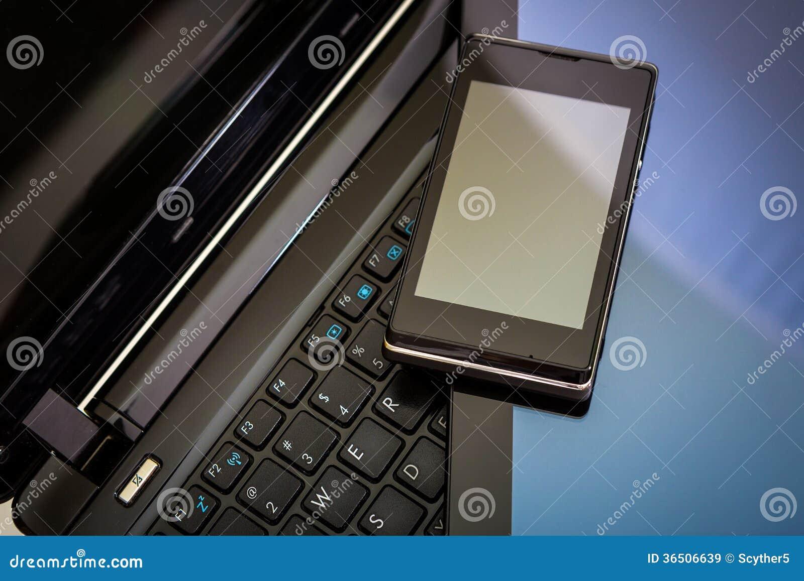 Ordinateur portable, tablette et téléphone intelligent