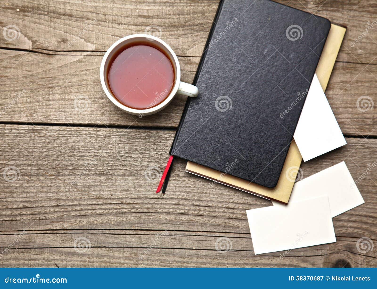 Ordinateur Portable Th Carte De Visite Professionnelle Avec Le Stylo Sur Vieil