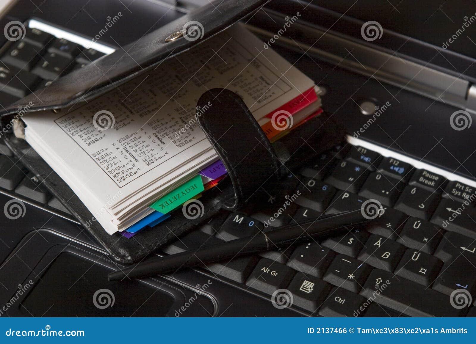 Ordre du jour sur le clavier d ordinateur portatif