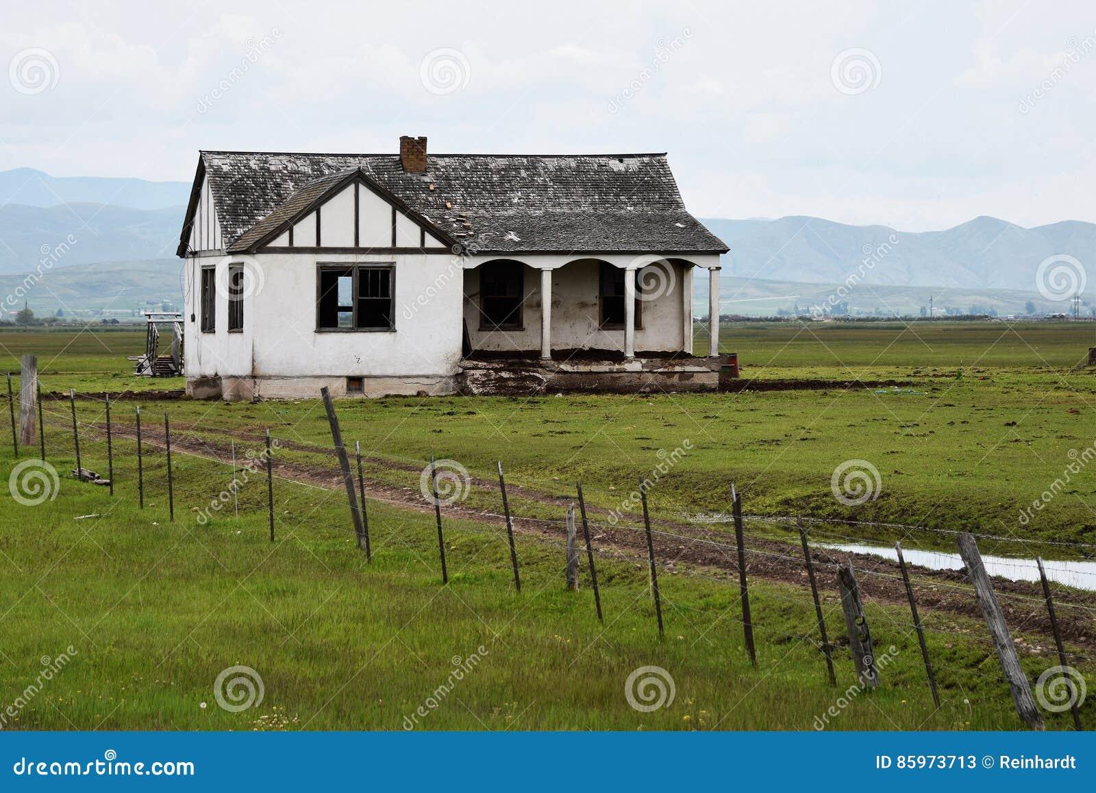 Download Oregon Trail, Idaho, Abandoned Homestead Stock Image - Image of weathered, oregon: 85973713