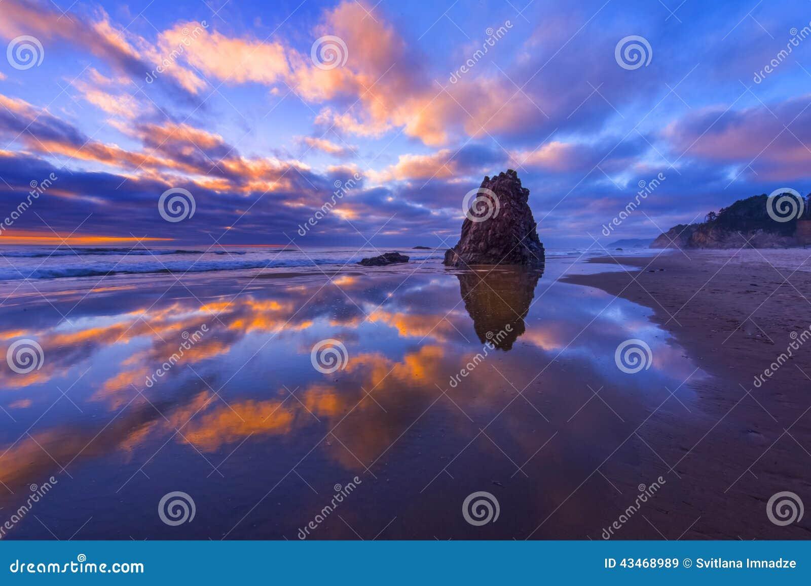 Oregon wybrzeże przy półmrokiem