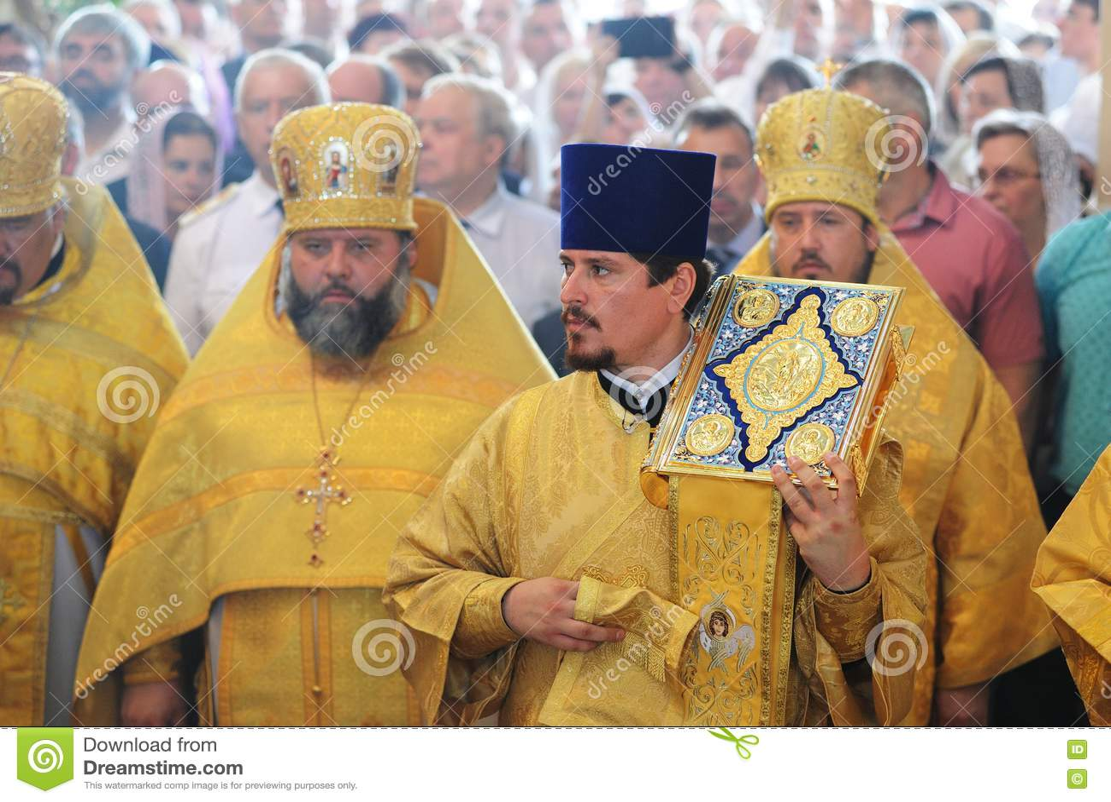 Orel Ryssland - Juli 28, 2016: Präst för Ryssland dopårsdag