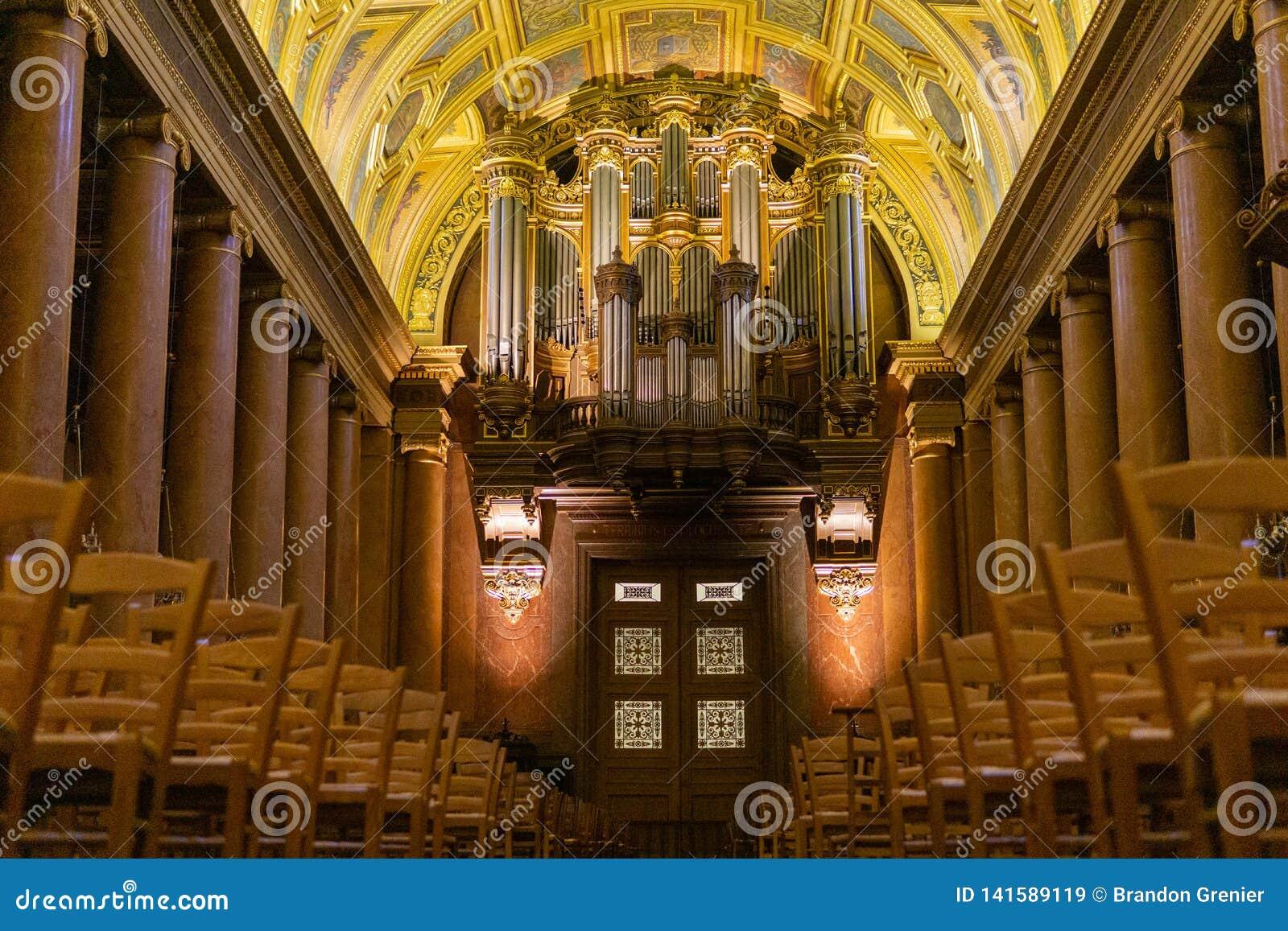 Organe principal au Saint Pierre de cathédrale, Rennes France