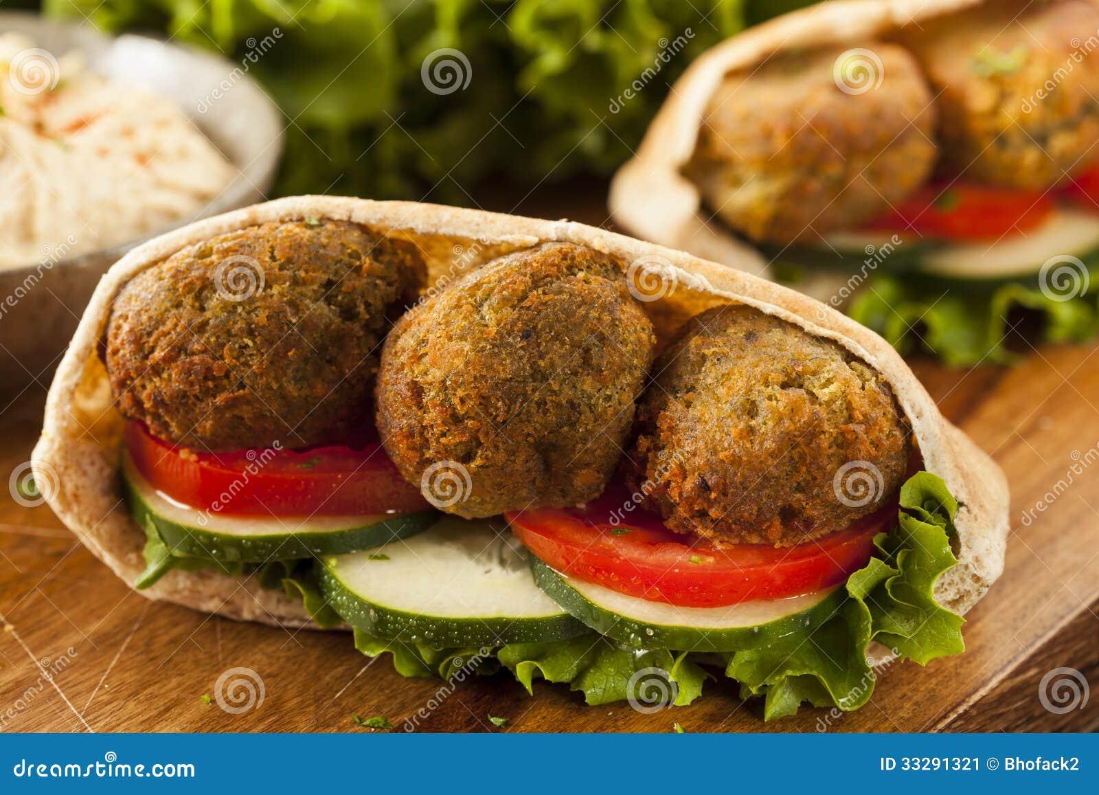 organic-falafel-pita-pocket-tomato-cucumber-33291321.jpg