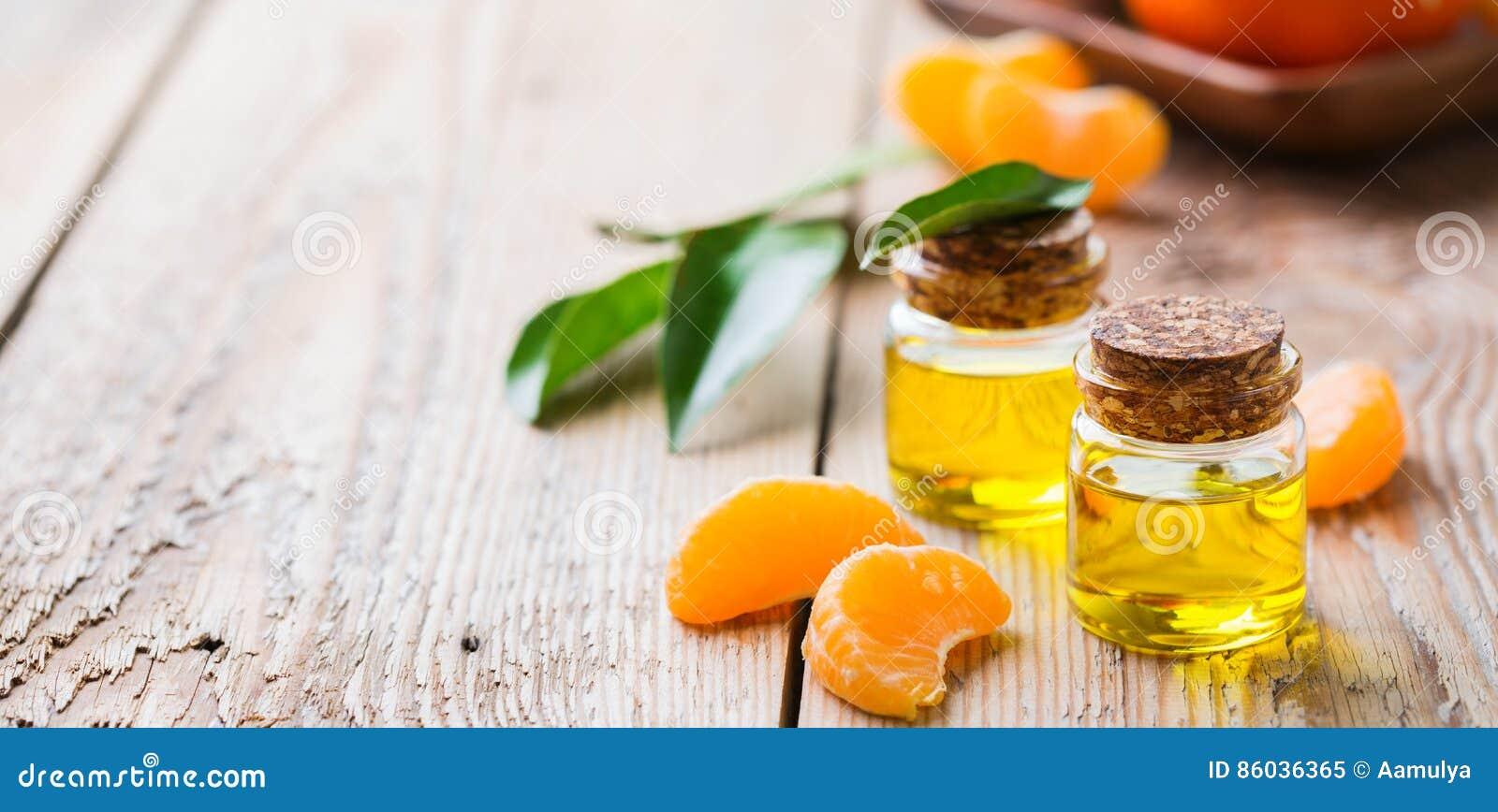 Organicznie istotny tangerine, mandarynka, clementine olej