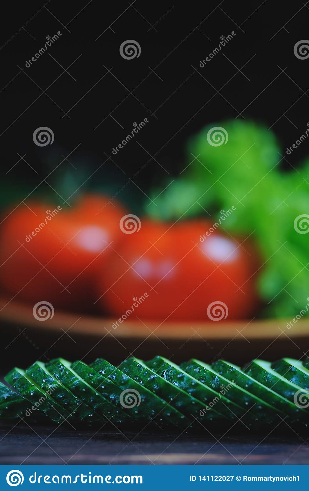 Organicznie warzywo przestrzeń dla kopii na drewnianym tle