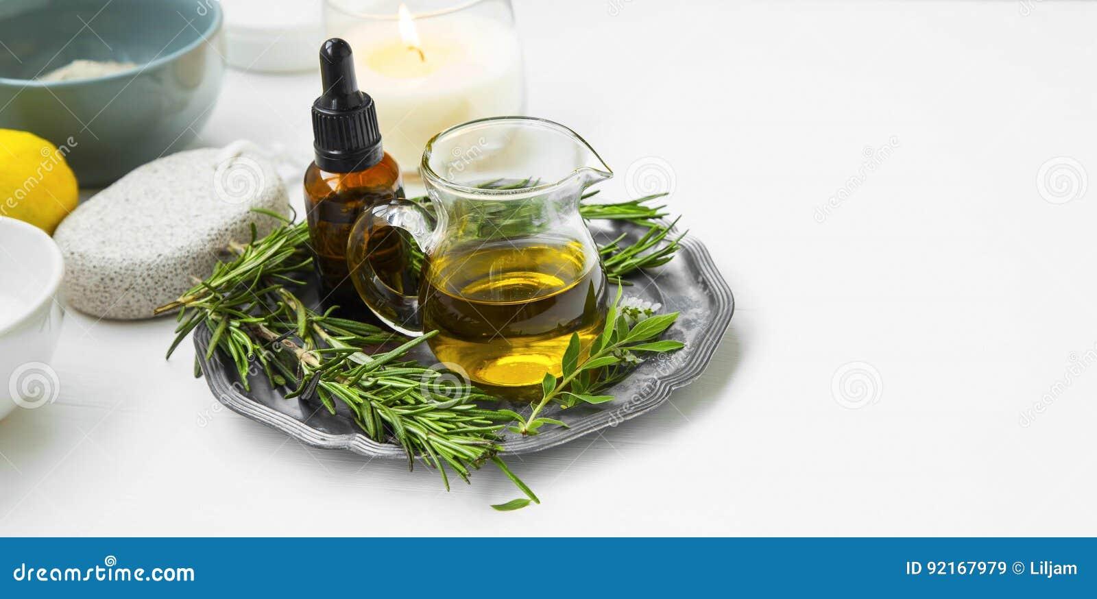 Organicznie ziołowy olej, naturalny ciało i skincare produktów ustawiać,