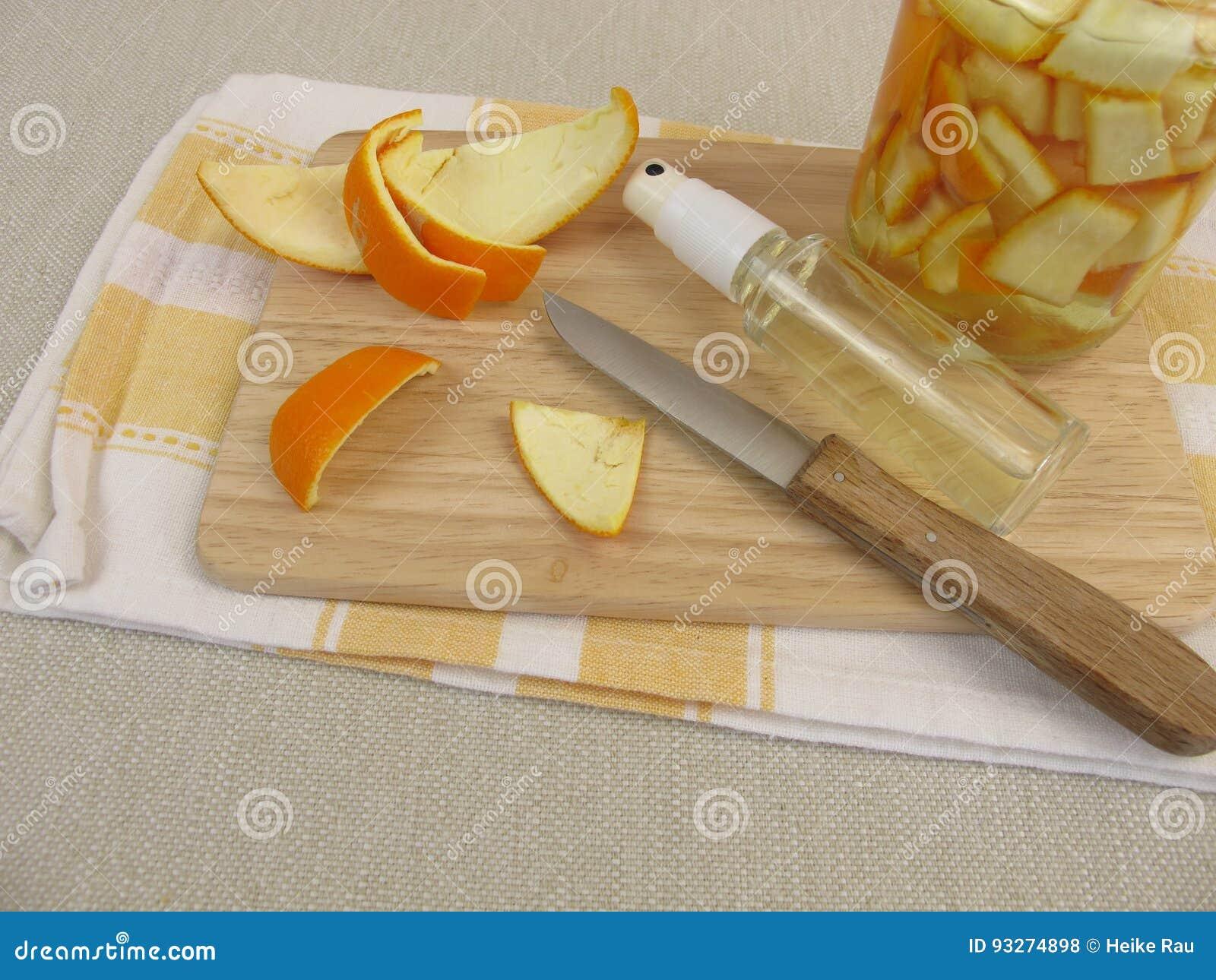 Organisch huishoudendetergens met sinaasappelschil en azijn
