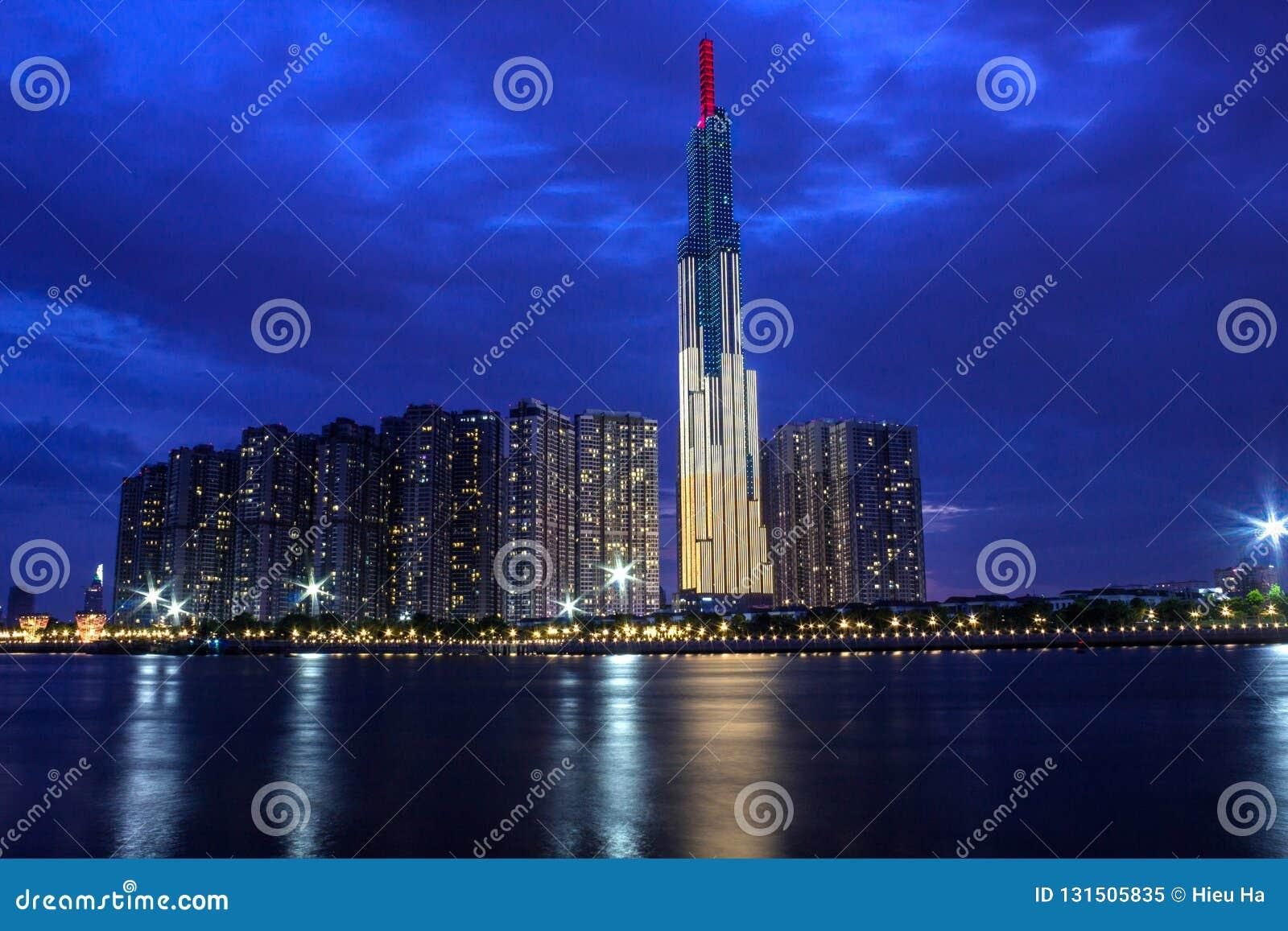 Oriëntatiepunt 81 Toren, de Hoogste Wolkenkrabber in Saigon in de Avond