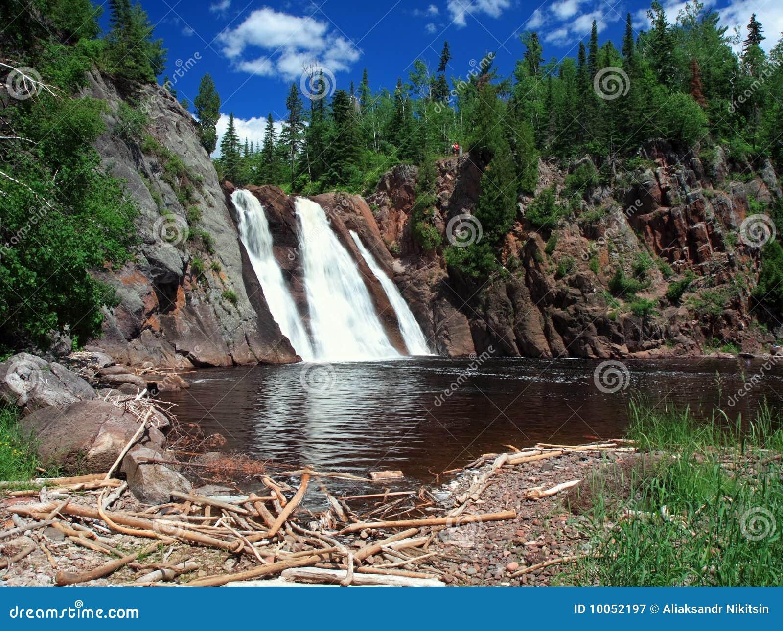 Orientação horizontal da cachoeira de Tettegouche