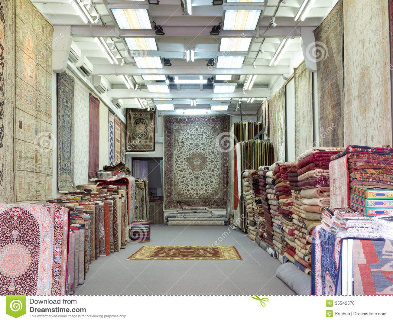Oriental Carpet Shop Editorial Photo Image 35542576