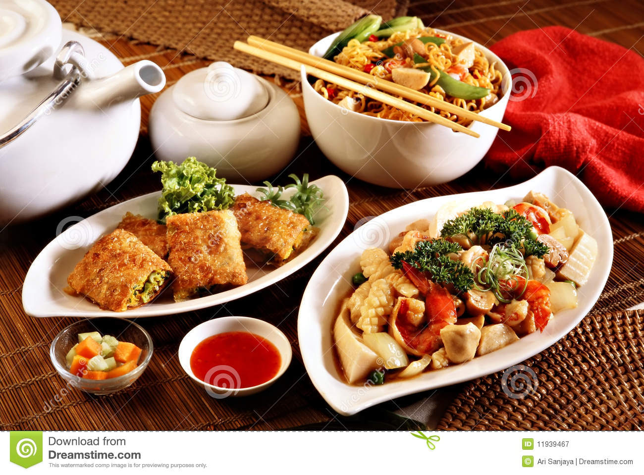 Oriental food royalty free stock photography image 11939467 for Cuisine orientale