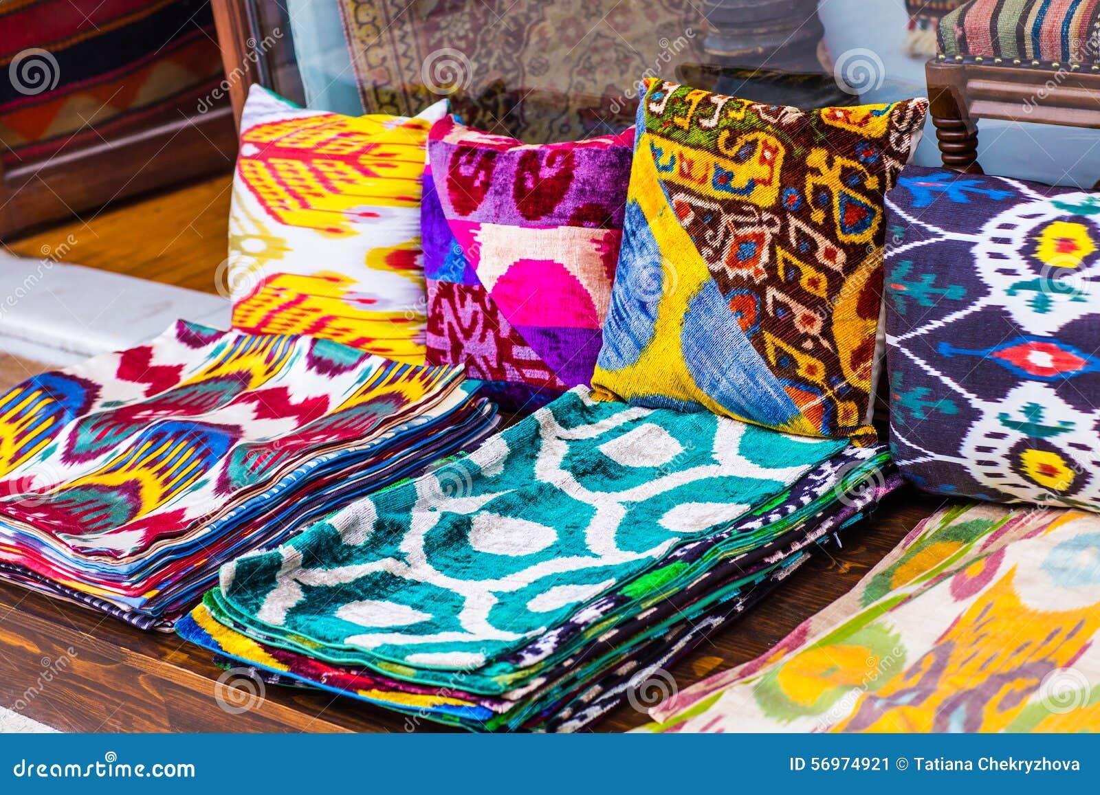 orientalische kissen stockbild bild von istanbul indien 56974921. Black Bedroom Furniture Sets. Home Design Ideas