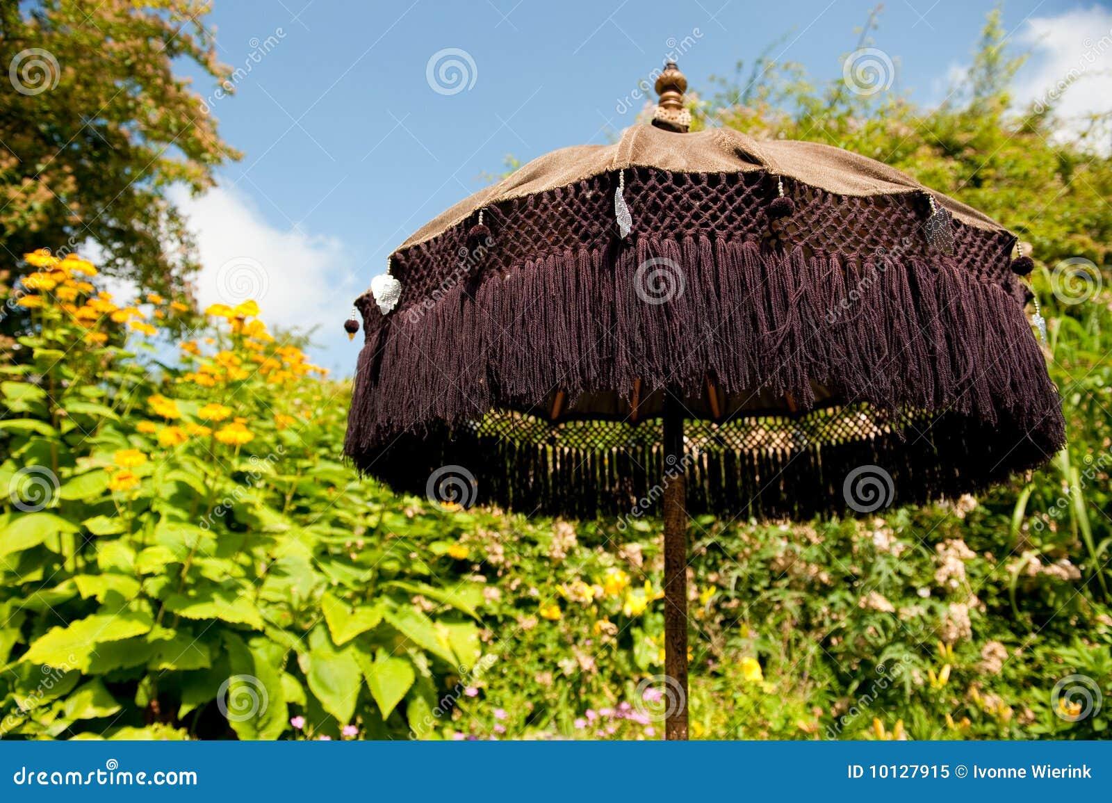 orientalischer sonnenschirm lizenzfreies stockfoto bild 10127915. Black Bedroom Furniture Sets. Home Design Ideas