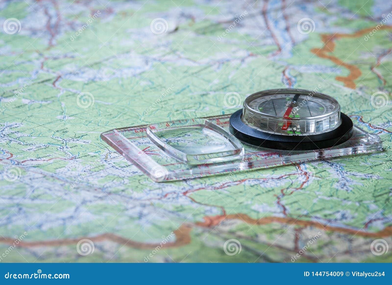 Orienteering con el mapa y el compás