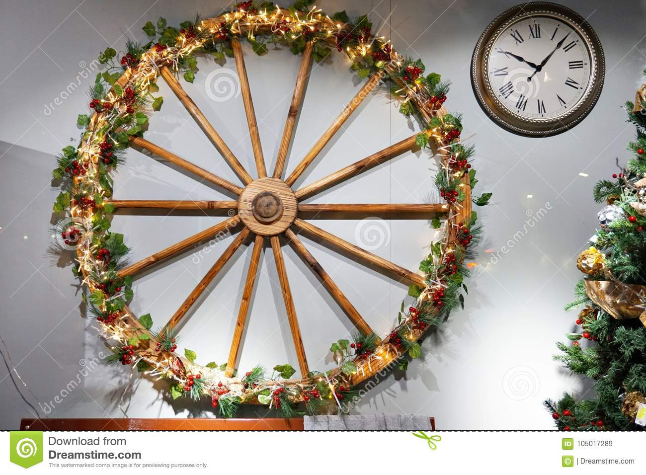 Christmas Wagon Wheel Photos Free Royalty Free Stock Photos From Dreamstime