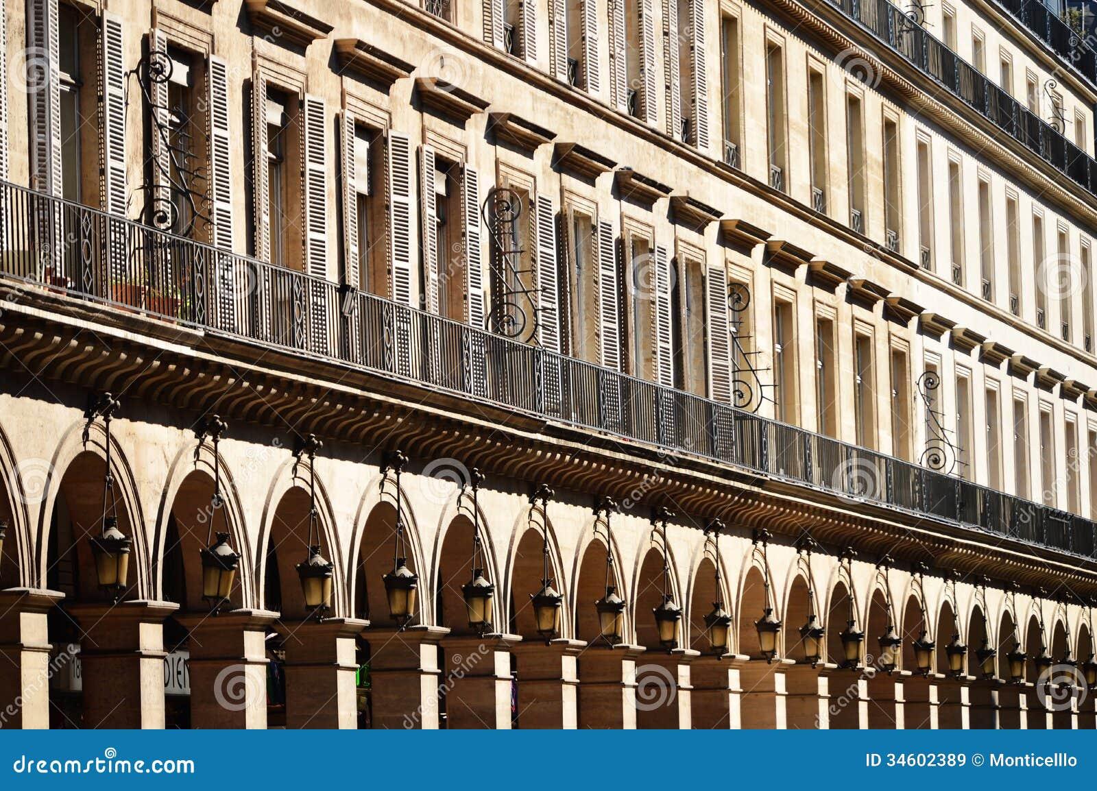 Original historic parisian architecture stock image for Architecture parisienne