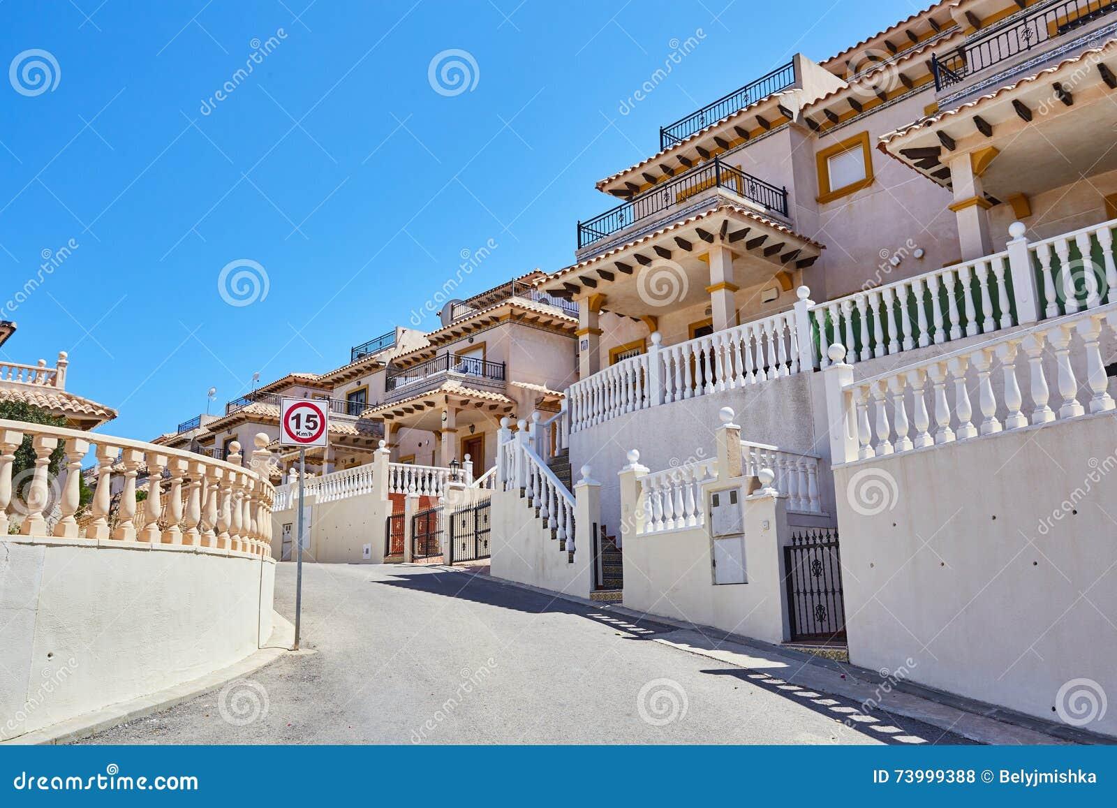 Orihuela spagna 15 giugno 2016 appartamenti per i for Appartamenti barcellona vicino al mare