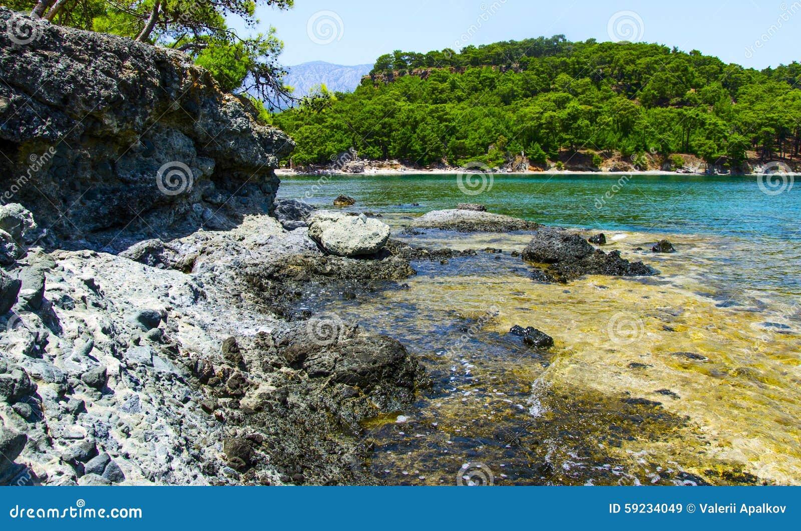 Download Orilla Rocosa Del Mar Mediterráneo Phaselis Turquía Imagen de archivo - Imagen de azul, calma: 59234049