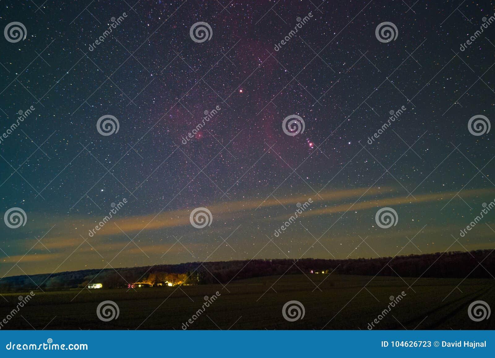 Download Orion Constellation stock afbeelding. Afbeelding bestaande uit kosmisch - 104626723