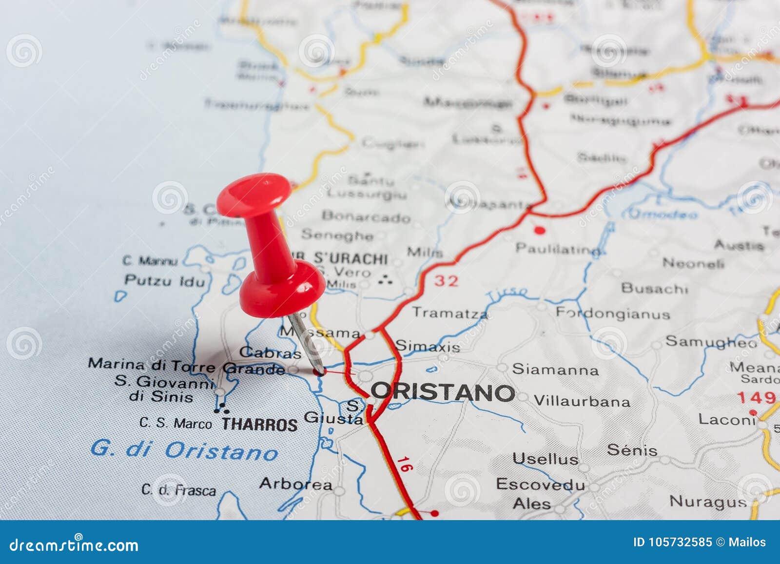 Oristano steckte auf eine Karte von Italien fest