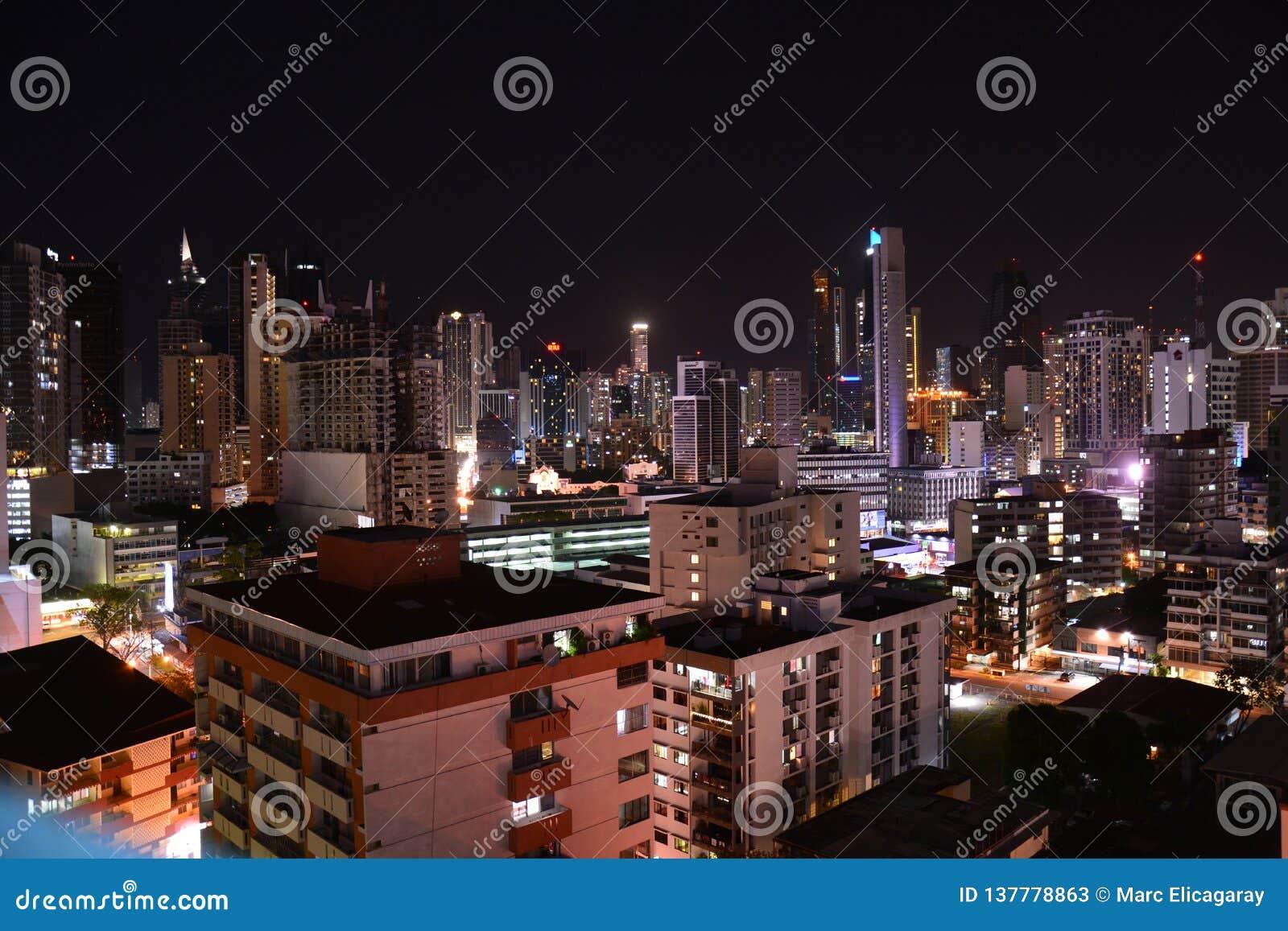 Orizzonte di Panamá nel Panama alla notte