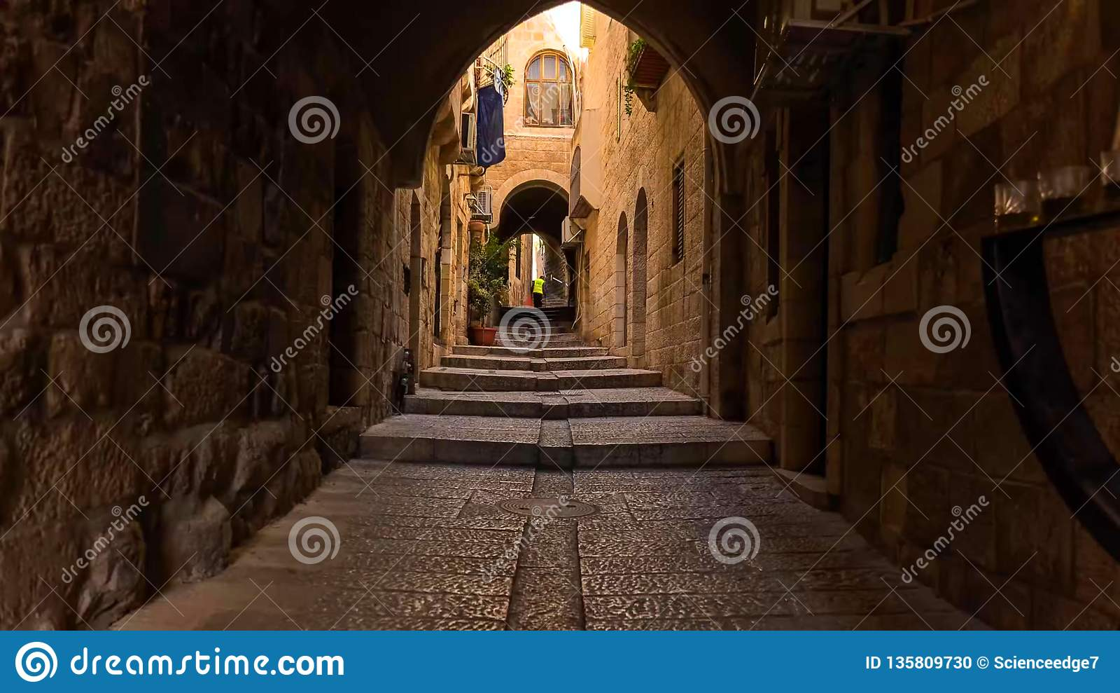 Orizzonte di vecchia città alla parete ed al Temple Mount occidentali a Gerusalemme, Israele