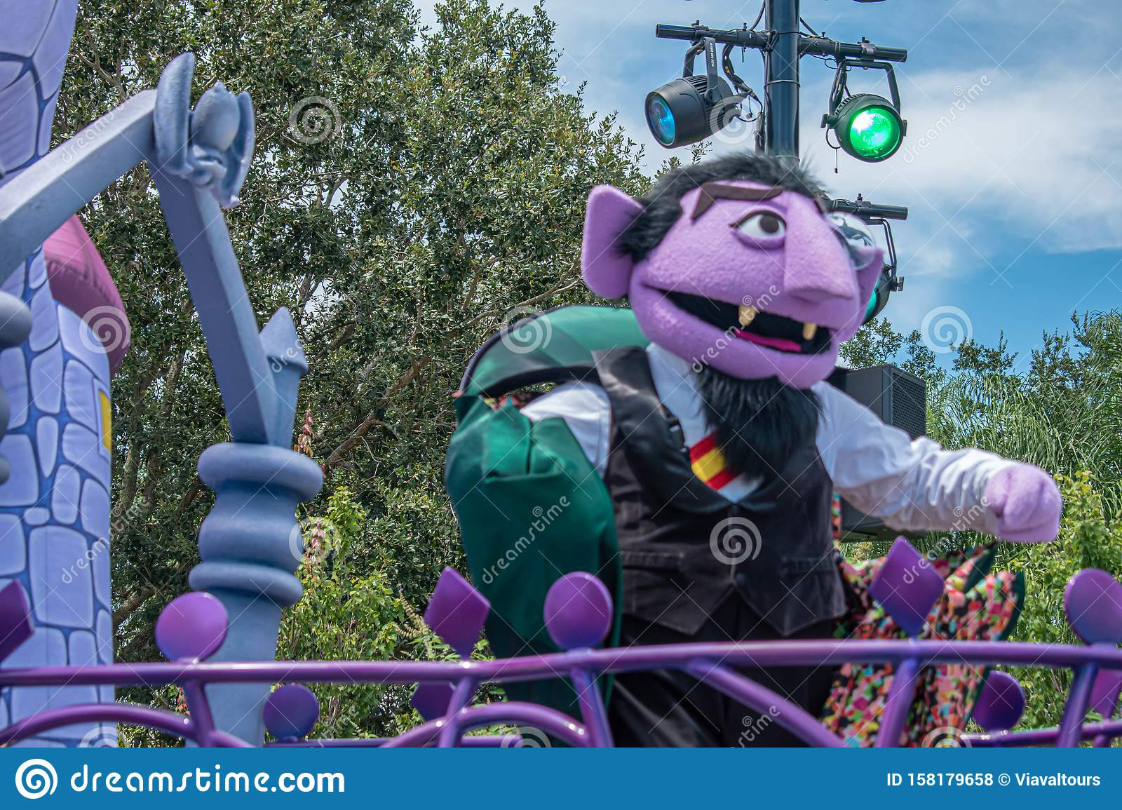 Count Von Count In Sesame Street Party Parade At Seaworld 2