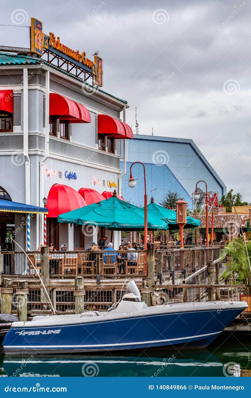 ORLANDO, FLORIDA, U.S.A. - DICEMBRE 2018: Il pescatore Wharf alla zona di San Francisco, Universal Studios