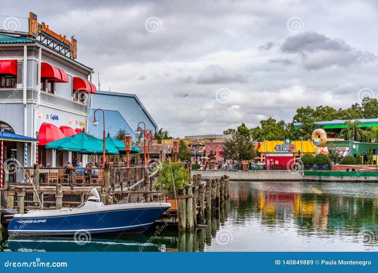 ORLANDO FLORIDA, USA - DECEMBER, 2018: Fiskaren Wharf på den San Francisco zonen, Universal Studios
