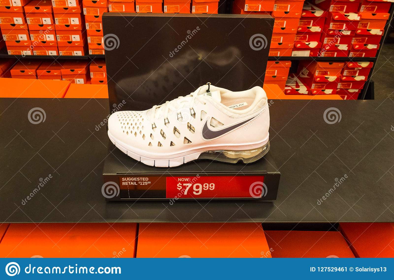 Nike Boxes Stacked OrlandoUsa 82018Background May Shoes Of zVGqUSMp