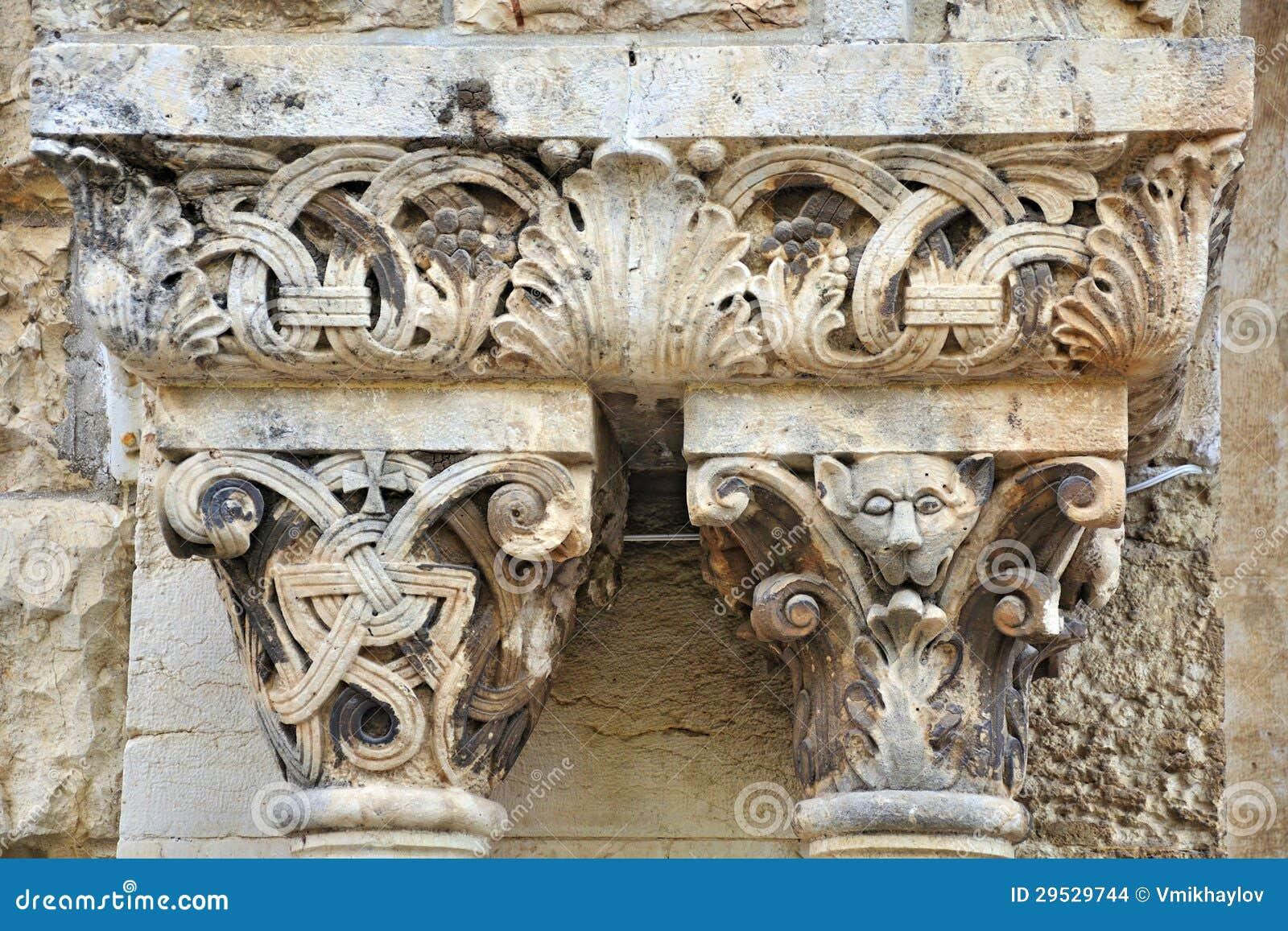 Ornamento da coluna da igreja