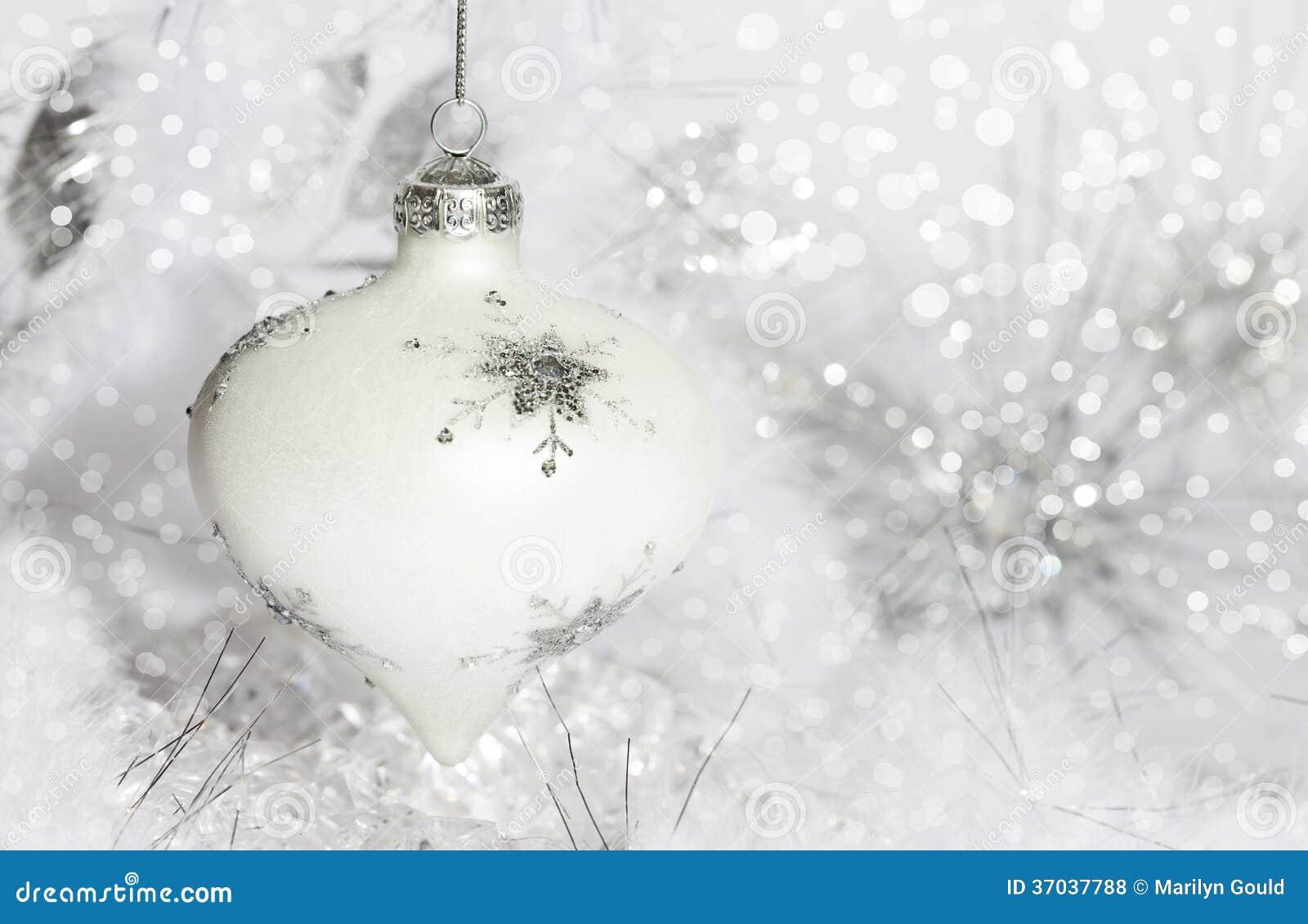 Ornamento de la Navidad blanca
