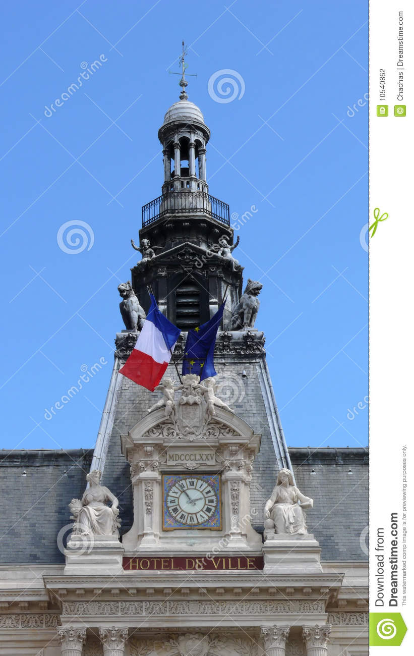 Ornate french hotel facade stock photography image 10540862 for Piscine poitiers