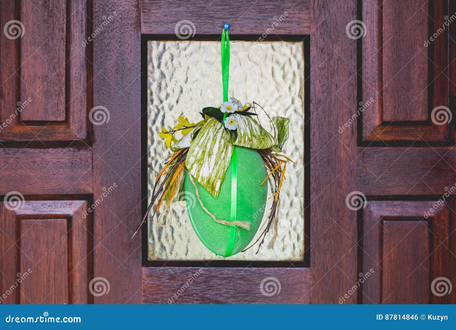 Deco Jaune Et Vert ornements heureux faits main à la maison de pâques