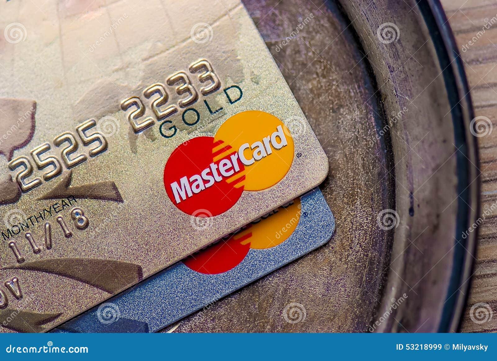 Oro de Mastercard, tarjeta de crédito del platino (de alta calidad)